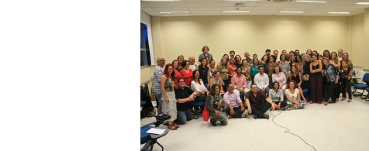 """<h2 class=""""slider-title""""><a><a href=""""/89239-assista-o-lancamento-do-suplemento-da-pnh-sobre-apoio-em-revista-especializada"""">Assista o Lançamento do Suplemento da PNH sobre 'Apoio' em revista especializada</a></a></h2> <div class=""""slider-text"""">  A Política Nacional de Humanização(PNH), lançou ontem em Brasília, o Suplemento sobre Apoio, publicado na...</div>"""